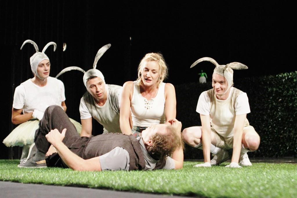 Открытие 97-го театрального сезона, премьерой спектакля «Как важно быть Эрнестом» по пьесе Оскара Уайльда